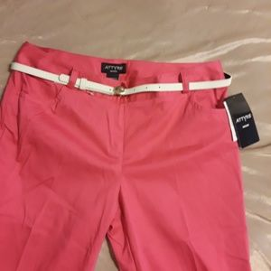 Attyre Pink Ankle Pants.  NWT